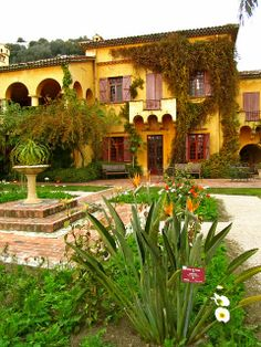 Val Rameh Botanical Garden in Menton - French Riviera http://easyhiker.co.uk/menton-is-the-prettiest-town-in-france/