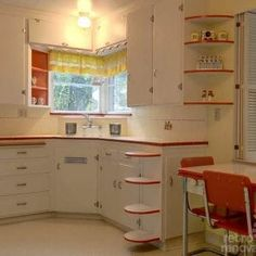 retro home decor Same owners for years, this 1940 Seattle time capsule house has the most amazing basement ever - 24 photos - Retro Renovation Decoration Ikea, Kitchen Decorations, 1940s Kitchen, Red And White Kitchen, Red Kitchen Accents, Decor Scandinavian, Retro Renovation, Retro Home Decor, 1940s Decor