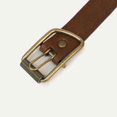 A(z) 50 legjobb kép a(z) belt táblán   Leather craft, Leather ... 60621a8ca586