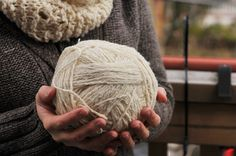 DIY: Woolly Rustic Knit Infinity Scarf and Free Pattern