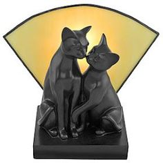 Sweet Art Deco cats lamp.  They must have been litter mates ;-)