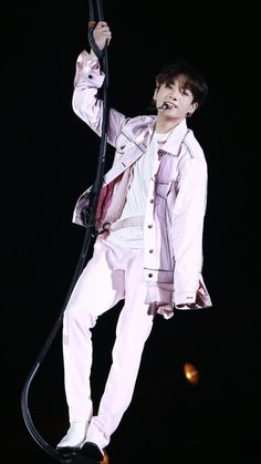 Boy can you give me a break cause u r killing me 😢😍 Jung Kook, Busan, Bts Jungkook, Taehyung, Foto Bts, K Pop, Playboy, Jeon Jeongguk, I Love Bts