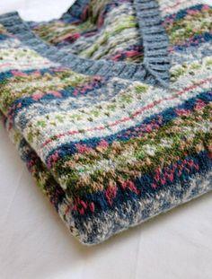 Fair Isle Knitting Patterns, Fair Isle Pattern, Knitting Projects, Crochet Projects, Knitting Tutorials, Punto Fair Isle, Knit Vest Pattern, Textiles, Yarn Crafts
