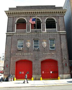 E094 FDNY Firehouse Engine 94, Ladder 48 & Battalion 3, Hunts Point, Bronx, New York City by jag9889, via Flickr shared by NYC Firestore