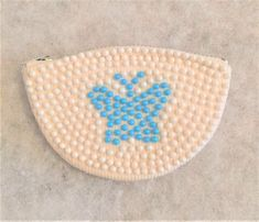 Vintage Beaded Coin Purse with Butterfly Vintage Purses, White Beads, Coin Purse, Blue And White, Buy And Sell, Butterfly, Handmade, Stuff To Buy, Vintage Handbags