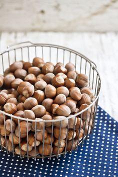 Hazelnuts | La gatta col piatto che scotta