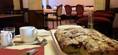 ...pity that you can not smell it, the smell of fresh morning cake for breakfast