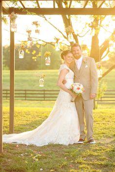 Blumig-romantische Hochzeit von Allison
