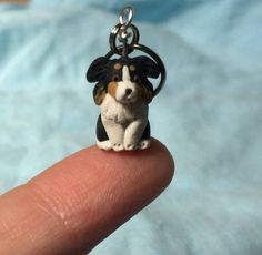 Miniature Dog, Black Tri Australian Shepherd, Stitch Markers, Dog Lover Gift, Knitting Notions, Croc Dog Crafts, Diy Arts And Crafts, Black Tri Australian Shepherd, Simple Knitting, Miniature Dogs, Gold Paper, Knit Or Crochet, Crochet Accessories, Stitch Markers