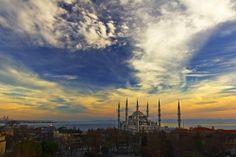 La Mezquita Azul o Mezquita del Sultán Ahmed de Estambul, es obra de Sedefkar Mehmet Ağa, discípulo del arquitecto Sinan.