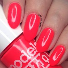"263 Likes, 7 Comments - Vicky - Polish Addict 🇬🇧 (@thepolishlist) on Instagram: ""Cocktail Hour from @modelsownofficial new Polish For Tans is so bright & neon it makes my skin look…"""