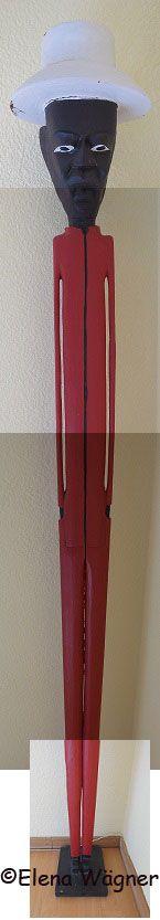 Éste es MACHÍN: el mulato de 2 metros que la cocinera almidonera tiene en su dormitorio.