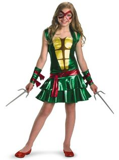 Teenage Mutant Ninja Turtles have been around for years and this year, Teenage Mutant Ninja Turtles costume for girls is going to be more popular than ever. Check out my favorite TMNT costumes! Girl Ninja Turtle, Ninja Girl, Ninja Turtles, Clever Halloween Costumes, Halloween Kids, Halloween Customs, Awesome Costumes, Couple Halloween, Halloween Stuff