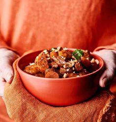 Massaman-curry katkaravuilla | Kala | Soppa365 Massaman Curry, Chorizo, Tofu, Feta, Dog Food Recipes, Good Food, Food And Drink, Breakfast, Interesting Recipes