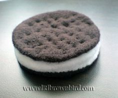 felt oreo cookie tutorial and pattern from Lit'l BrownBird's Passion