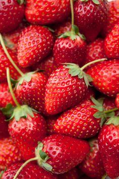 A lot of strawberries:スマホ壁紙