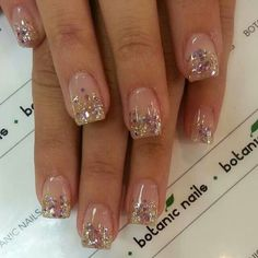 Discover recipes, home ideas, style inspiration and other ideas to try. Sparkly Nails, Gold Nails, Shellac Nails, Glitter Nails, Colorful Nail Designs, Acrylic Nail Designs, Nail Art Designs, Classy Nails, Cute Nails