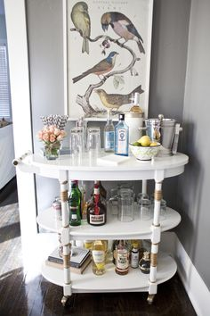 Despite the New York Times' claim that bar carts are purely a piece of hipster furniture du jour, I think they're classic. Whether you're a nightly cocktail drinker or just want to be able to entertain when others come over, a good bar cart is equal parts Diy Bar Cart, Gold Bar Cart, Bar Cart Styling, Bar Cart Decor, Bar Carts, Ikea Bar Cart, Café Bar, Cool Bars, Bar Furniture
