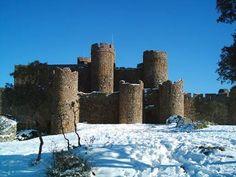 El Castillo de Salvatierra de los Barros Nevado.