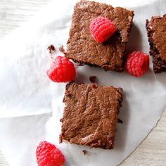 The Best Paleo Brownies (Chocolaty Goodness) - Paleo Grubs----I followed this recipe, but used 1/2 cup almond butter (all that was left) , 1/2 cup almond meal, and added 1/3 cup chocolate chips.