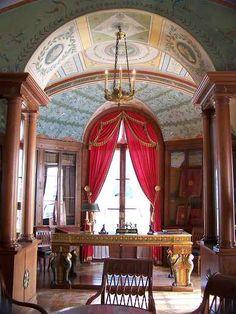 Malmaison library, Napoleon's desk