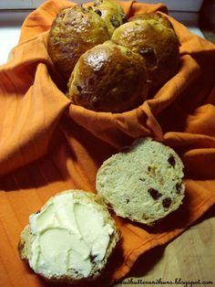 Better than donuts!  The Dutch Table: Krentenbollen for Queen's Day!