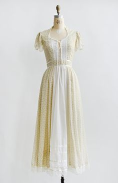 vintage 1970s cream floral Gunne Sax boho dress