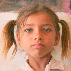 Lost European tribes. Young girl from Rajastan. #face #beautiful