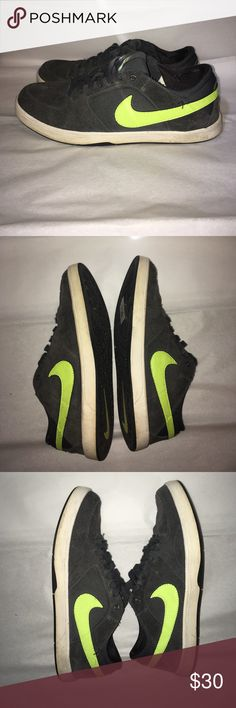 Nike SB Lunarlon Nike Skateboarding shoes in good condition. Message me for more pictures if you are interested. Nike Shoes Sneakers