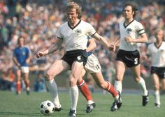 West Germany 2 Yugoslavia 0 in 1974 in Dusseldorf. Georg Schwarzenbeck passes back to the keeper in Round 2, Group B #WorldCupFinals