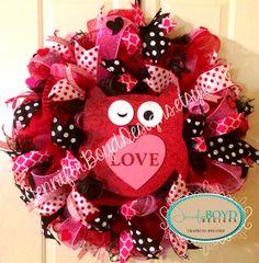 Owl Valentine's Day Wreath by Jennifer Boyd Designs.  www.facebookk.com/JenniferBoydDesigns www.etsy.com/shop/JenniferBoydDesigns