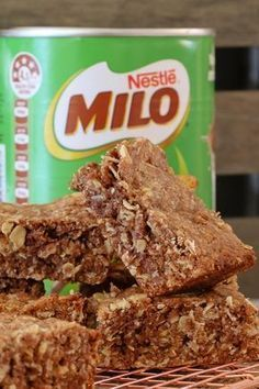 Lunch box recipes don't come any quicker or easier than this yummy Oat & Milo Slice made in the Thermomix! Simply melt, mix and bake. too simple! This will become a family favourite in no time! Milo Recipe, Ma Baker, Baking Recipes, Dessert Recipes, Thermomix Desserts, Oats Recipes, Boite A Lunch, Good Food, Yummy Food