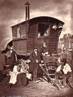 Caravan Gypsy Vardo Wagon: A wagon in Victorian London. Vintage Pictures, Old Pictures, Old Photos, Victorian Pictures, Rare Photos, London Life, London Street, Jigsaw, Victorian London