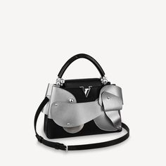 Louis Vuitton Usa, Louis Vuitton Store, Small Leather Goods, Fashion Books, Luxury Bags, Cowhide Leather, Fashion Watches, Shopping Bag, Fashion Accessories