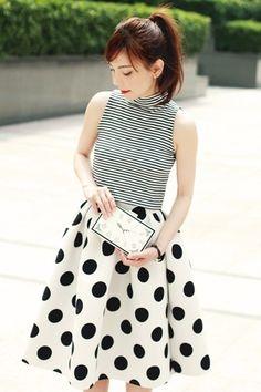 White-clock-face-choies-bag-white-choies-skirt-black-murua-top