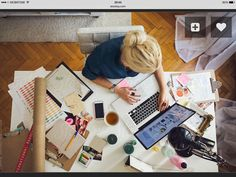 Tips and tricks for organizing a messy desk - take spring cleaning into the office this year!