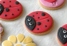 """Sorteo de galletas en """"Escarabajos bichos y mariposas""""   tartas y nubes de azúcar"""
