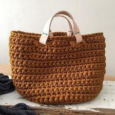 171 отметок «Нравится», 21 комментариев — Núria Mestres (@chompahandmade) в Instagram: «Mustard basket. Made to order for a good friend . … #crochet #basket #leather #crochetbasket…»