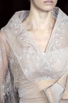 Elie Saab at Couture Spring 2009 - StyleBistro.Elie Saab made a Filipiniana. Glamour, Modern Filipiniana Gown, Filipino Fashion, Philippine Fashion, Elie Saab Couture, Couture Details, Moda Fashion, Couture Fashion, Beautiful Outfits
