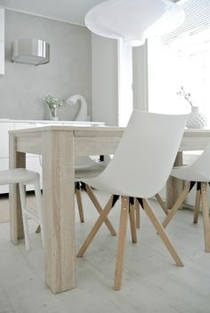 ORE tuolit blogissa. With All My Love: Keittiön uudistunutta ilmettä Dining Chairs, Dining Room, Dining Table, Elegant Backyard Wedding, Scandinavian Living, Minimalist Home, Building A House, Furniture, Home Decor