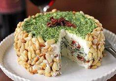 Torta = fancy cheeseball (sundried tomatoes, spinach, pine nuts...) Great to take to a party! Appetizers For Party, Christmas Appetizers, Yummy Appetizers, Appetizer Dips, Appetizer Recipes, Appetisers, Beach Christmas, Elegant Christmas, Christmas Time