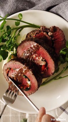 Meat Recipes, Chicken Recipes, Dinner Recipes, Cooking Recipes, Healthy Recipes, Rolled Roast Beef, Herb Butter, Beef Dishes, Food Dishes