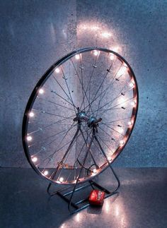 What to do with old bicycle rims? DIY DIY Ideas DIY Ideas DIY Project Decoration Decorating Ideas Accessories with Old Bicycle Wheel Bicycle Rims, Bicycle Wheel, Bike Wheels, Bicycle Decor, Wagon Wheels, Bicycle Lights, Diy Luz, Old Cycle, Luminaria Diy