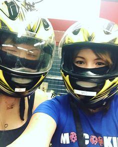 @kpyouri - Instagram:「Go kart racing w/this chick✌🏻️✌🏻️✌🏻️ I was last btw I suck😂😂😂 #gokart #race #racing #comeatme #isuck #safedriving #drivefasttakechamces…」