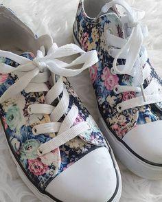 Des #baskets #fleuries pour seulement 10€ chez #babou ! Cyrielle Guillaumin