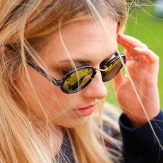 79445a51c33ea 90s Oval Sunglasses Vintage   Retro Round Sunglasses by Armações De Óculos