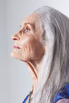 Daphne Self, 85, is a model – she was re-discovered at the age of 70, when she was newly widowed. She is signed to a major agency and works all over the world, helping to change the perception of older women in the fashion industry. Her silver long hair remind me of my ol'ma..
