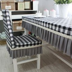 Dining Table Cloth, Dining Room Table Chairs, Kitchen Chair Covers, Mesa Retro, French Country Dining, Interior Decorating, Interior Design, Shabby Chic Bedrooms, Slipcovers For Chairs
