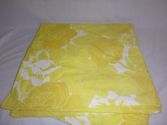 Vtg Wamsutta Yellow MOD Floral Flower King Fitted Sheet Ultracale 50/50