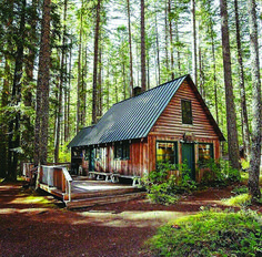 Forest Cabin, Forest House, Tiny House Cabin, Log Cabin Homes, Log Cabins, Log Cabin Exterior, Cabins In The Woods, House In The Woods, Cabins In The Mountains